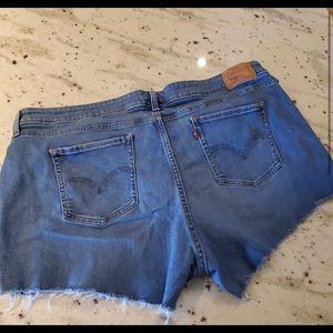 Vintage Levi Cutoff Shorts 22W